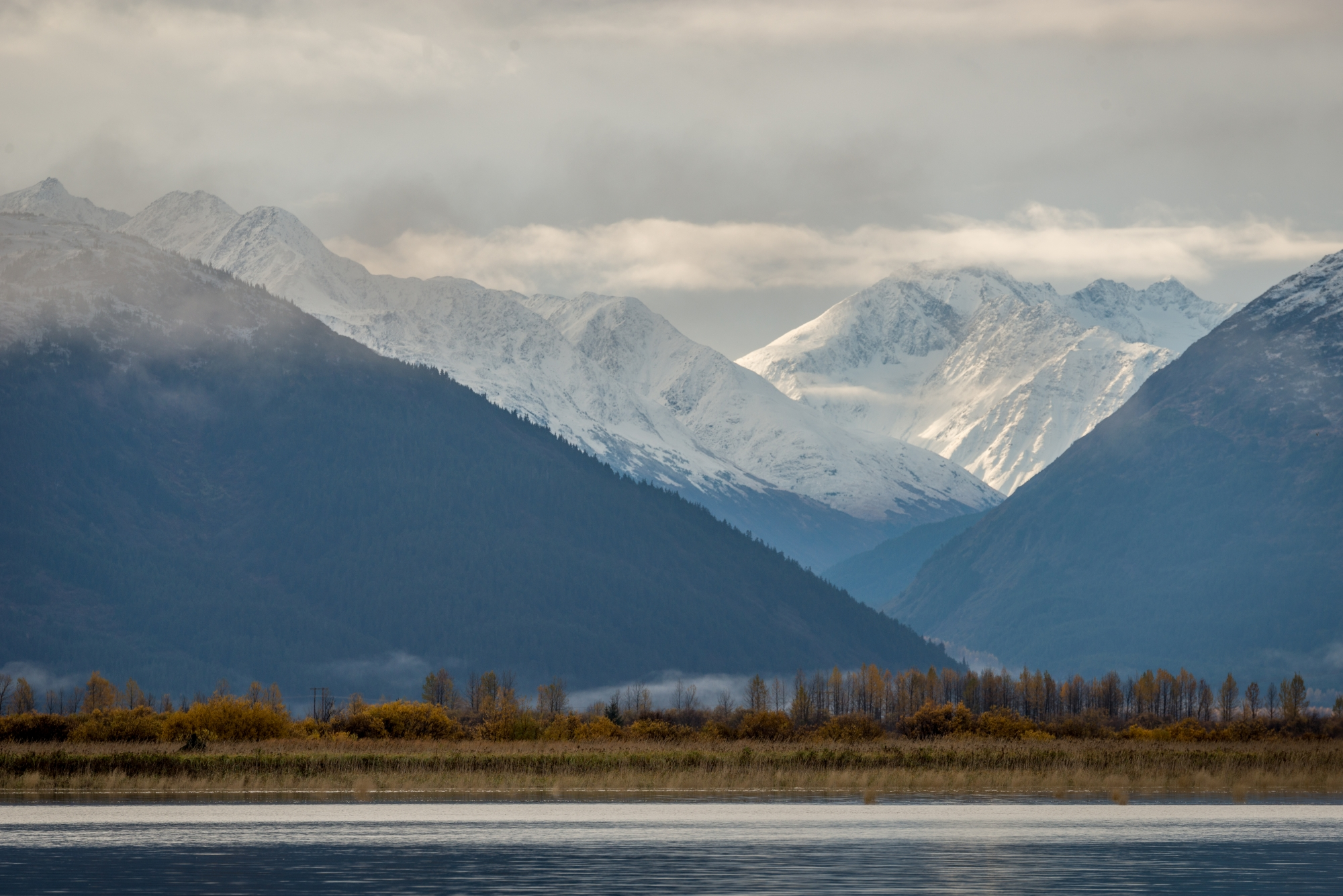 DSC9098 - Majestic mountains tower Girdwood Alaska