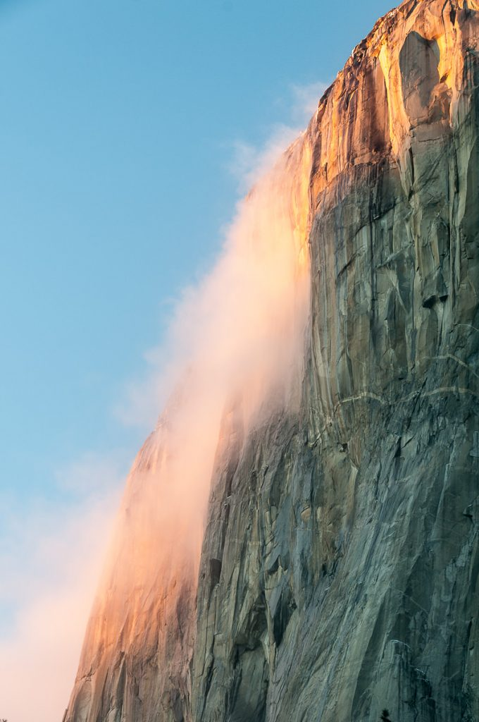 Yosemite el Capitan with Fog in the Evening Light
